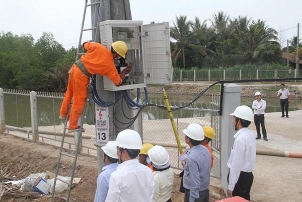 Tăng phụ tải điện cho ĐBSCL để ứng phó với hạn mặn