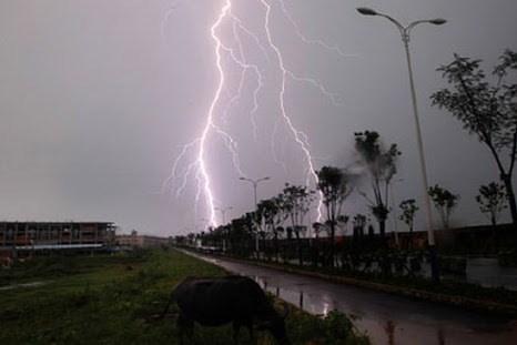 Dự báo thời tiết hôm nay 20/3: Bắc Trung Bộ đề phòng thời tiết nguy hiểm