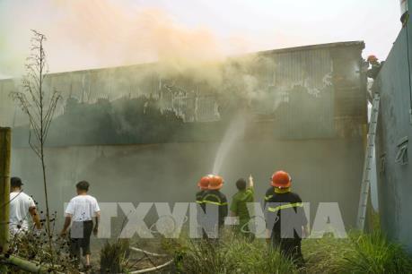 Điện Biên: Cháy lớn tại nhà kho trong khu đô thị Bom La