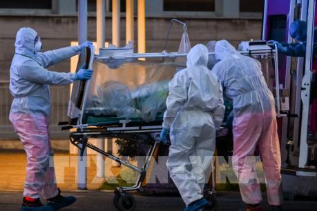 Hơn 25.000 ca mắc COVID-19 ở châu Âu đã tử vong