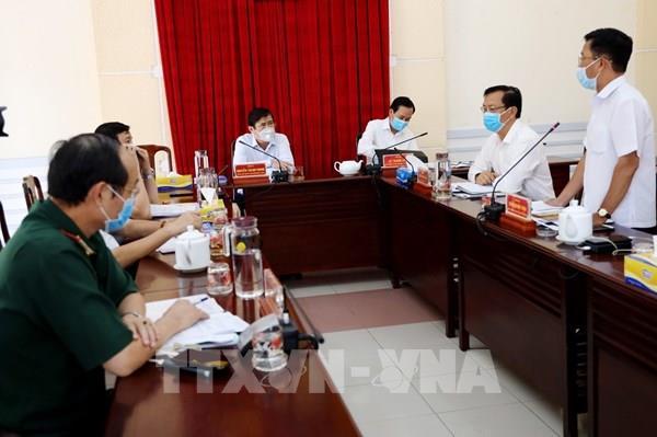 Lãnh đạo TP Hồ Chí Minh cam kết không để thiếu khẩu trang, nhu yếu phẩm
