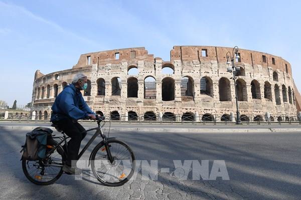 Dịch COVID-19: Thủ tướng Italy thông qua gói biện pháp mới hỗ trợ người dân