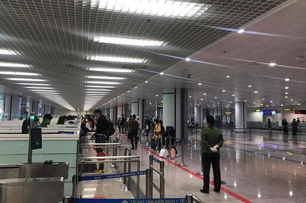 Ngày 23/3, sân bay Nội Bài dự kiến đón 276 khách từ nước ngoài trở về
