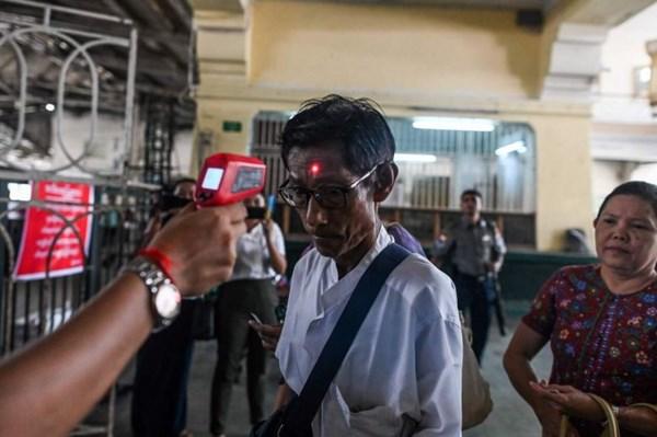 Hàng chục nghìn lao động Lào và Myanmar tại Thái Lan đổ về nước