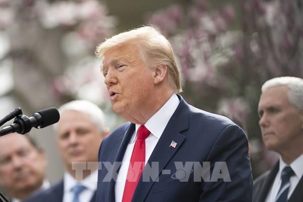 Tổng thống Trump xem xét mở cửa trở lại nền kinh tế Mỹ bất chấp dịch COVID-19