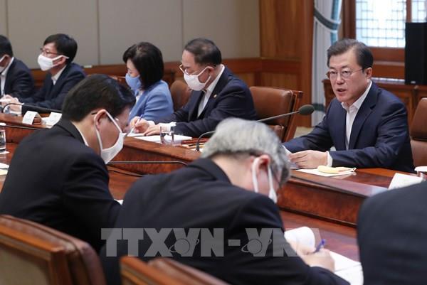Tổng Thống Hàn Quốc cam kết 100.000 tỷ won hỗ trợ các doanh nghiệp bị ảnh hưởng