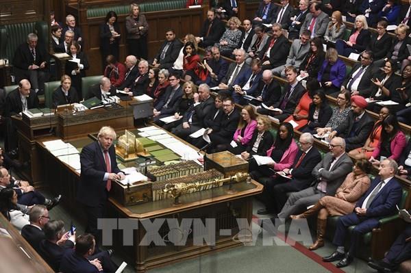 Chính phủ Anh được trao thêm quyền trong cuộc chiến chống dịch COVID-19