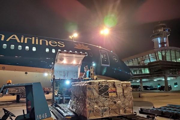 Vietnam Airlines miễn phí vé cho đội ngũ y tế tham gia phòng chống dịch