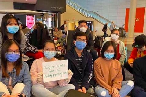 Lưu học sinh Việt Nam thận trọng với các đơn vị mạo danh tổ chức chuyến bay về nước