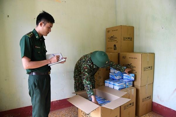 Ngăn chặn vụ vận chuyển hơn 22.000 khẩu trang trái phép qua biên giới