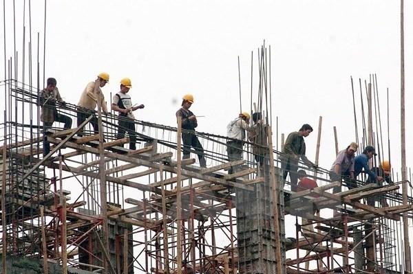 Khuyến nghị giãn tiến độ hoặc tạm ngưng thi công công trình tại TPHCM