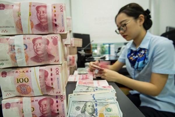 """Trung Quốc: Nhiều lĩnh vực giảm giá để """"kích thích"""" người dân chi tiêu"""