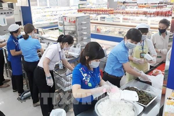Saigon Co.op và các doanh nghiệp cung cấp hơn 30.000 suất ăn/ngày cho các khu cách ly
