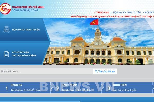 Thành phố Hồ Chí Minh tăng giải quyết công việc qua mạng