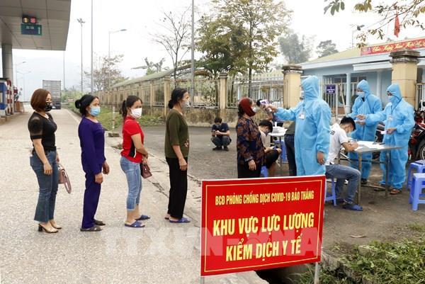 Lào Cai tiếp nhận, cách ly y tế hàng trăm lao động từ nước ngoài trở về