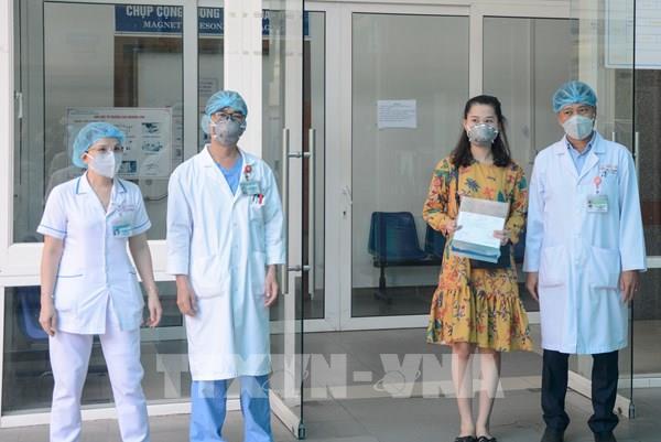 Dịch COVID-19: Thêm 3 trường hợp nhiễm virus SARS-CoV-2 đã bình phục
