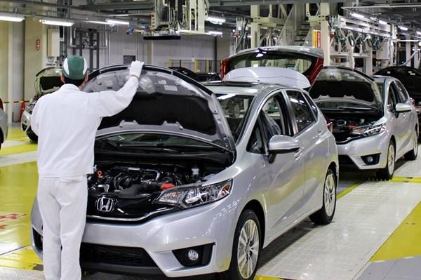 Honda và Nissan tạm ngừng sản xuất tại Nhật Bản