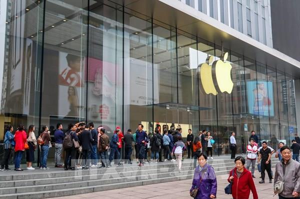 Các nhà cung cấp của Apple lo lắng về khả năng nhu cầu iPhone suy giảm