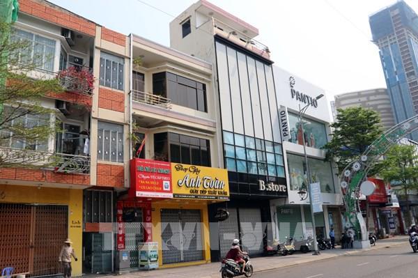 Hàng loạt cửa hàng kinh doanh dịch vụ tại các địa phương tạm dừng hoạt động