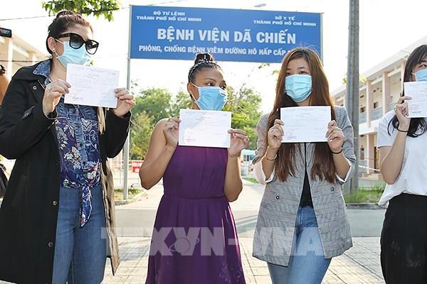 Dịch COVID-19: Bốn bệnh nhân tại Thành phố Hồ Chí Minh được xuất viện