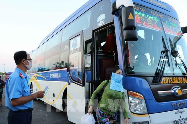 Tp. Hồ Chí Minh tạm dừng hoạt động xe hợp đồng và du lịch trên 9 chỗ