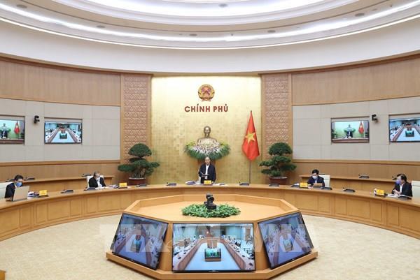 Thường trực Chính phủ họp bàn giải pháp ứng phó với COVID-19