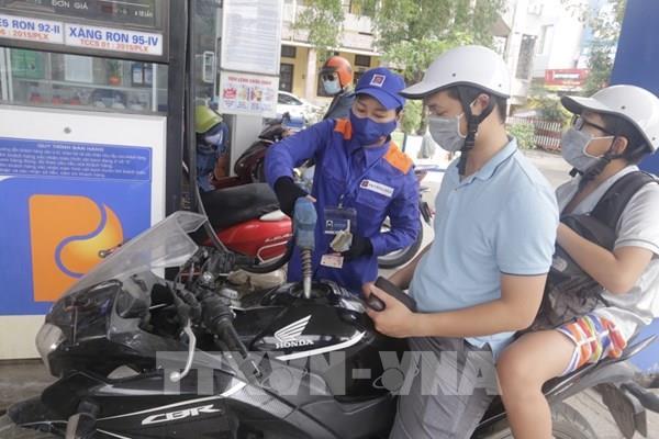 Giá xăng, dầu tiếp tục giảm nhẹ từ 15 giờ ngày 26/9