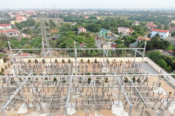 """Đóng điện Dự án """"Hoàn thiện hệ thống phân phối ngoài trời TBA 220kV Đồng Hới"""