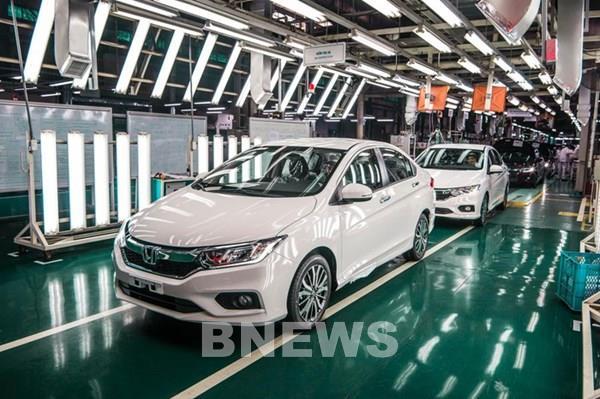 Dịch COVID-19: Doanh nghiệp ô tô thứ 4 ở Việt Nam tạm dừng sản xuất
