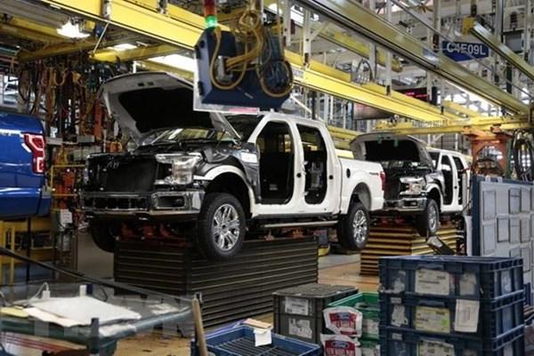 Doanh số bán ô tô tại Mỹ giảm mạnh do đại dịch COVID-19