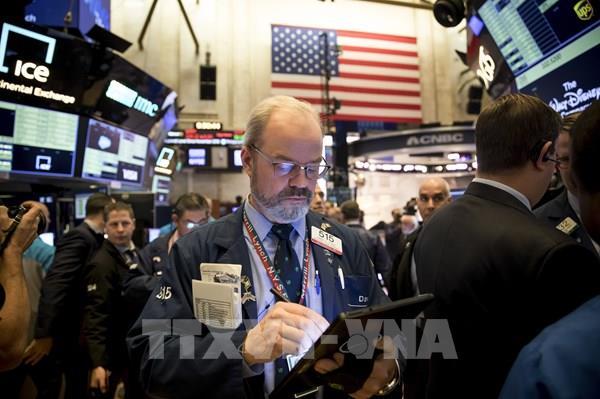 Thị trường chứng khoán thế giới lao dốc trong phiên giao dịch đầu tháng Tư