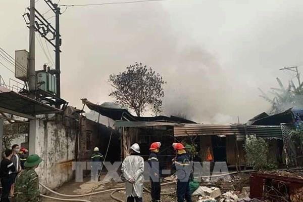 Cháy tại kho phế liệu ở Hà Đông, Hà Nội