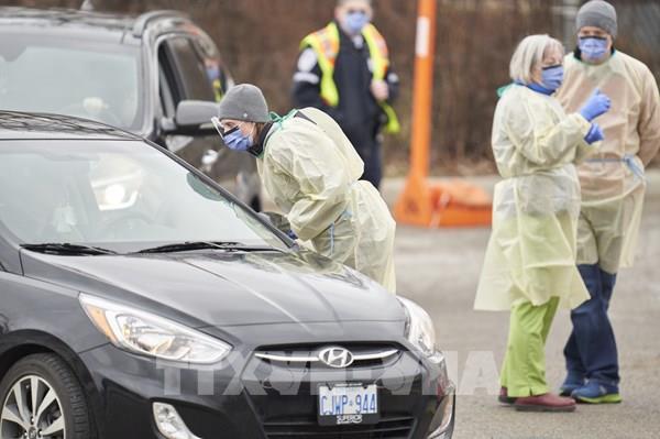 Dịch COVID-19: Ba tỉnh bang lớn nhất Canada triển khai xây dựng bệnh viện dã chiến