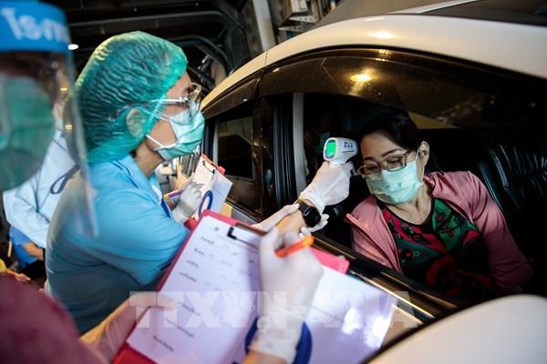 Thái Lan tuyển thêm 45.000 nhân viên y tế đối phó với COVID-19