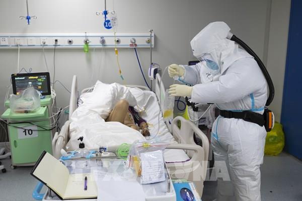 Trung Quốc tăng cường phòng chống dịch COVID-19 ở những thành phố trọng điểm