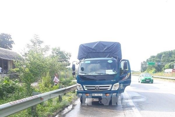 Bất chấp dịch COVID-19, phương tiện vẫn dừng ăn uống trên cao tốc Nội Bài – Lào Cai
