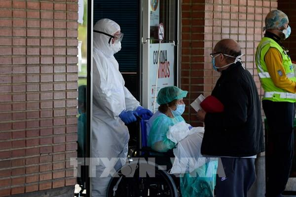 Dịch COVID-19: Số ca tử vong tại Tây Ban Nha giảm trong 3 ngày liên tiếp