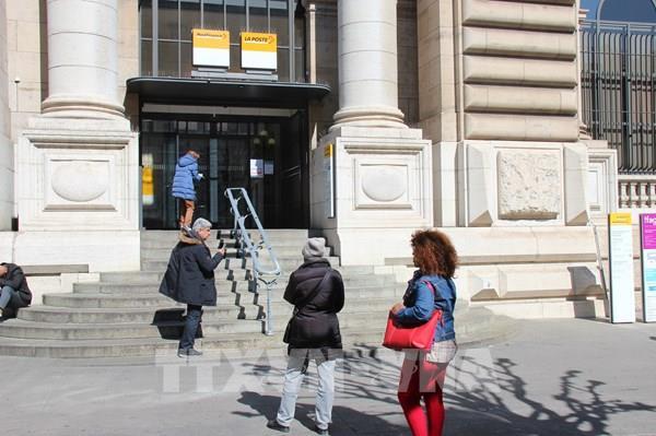 Thụy Sỹ: Gia tăng áp lực mở cửa trở lại nền kinh tế