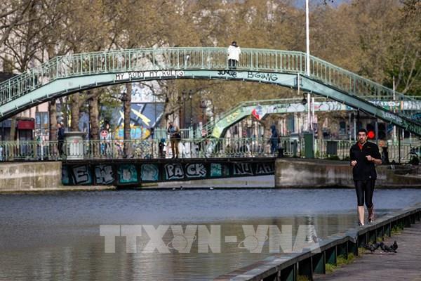 Pháp: Paris cấm các hoạt động thể thao cá nhân ngoài trời vào ban ngày