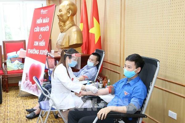 Đoàn Thanh niên Ban Tổ chức Trung ương tổ chức chương trình hiến máu tình nguyện