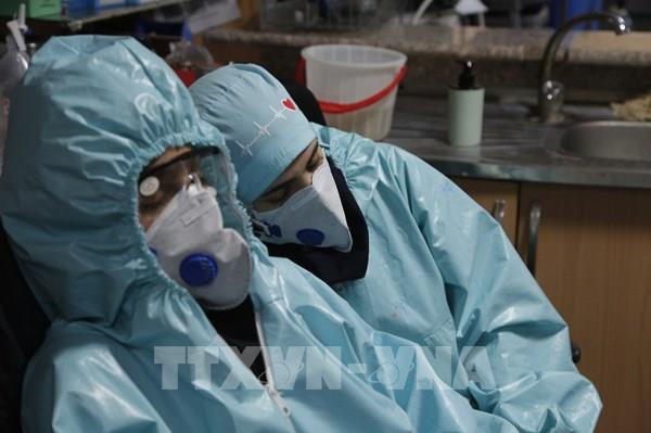 Hai lô hàng quần áo bảo hộ phòng chống COVID-19 đã rời Hà Nội đến Mỹ