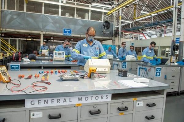Hãng GM ký hợp đồng với Chính phủ Mỹ cung cấp 30.000 máy trợ thở