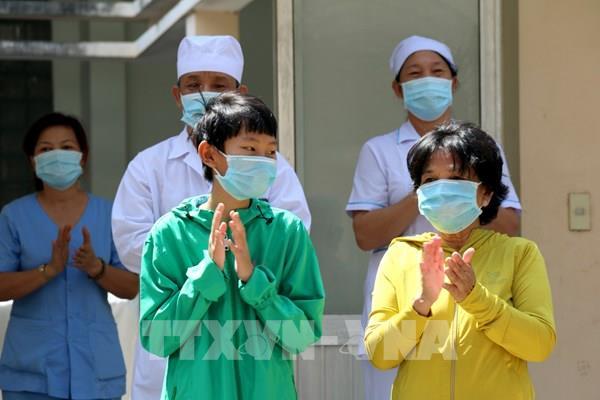 Ngày 10/4, cả nước có 16 bệnh nhân mắc COVID-19 được công bố khỏi bệnh