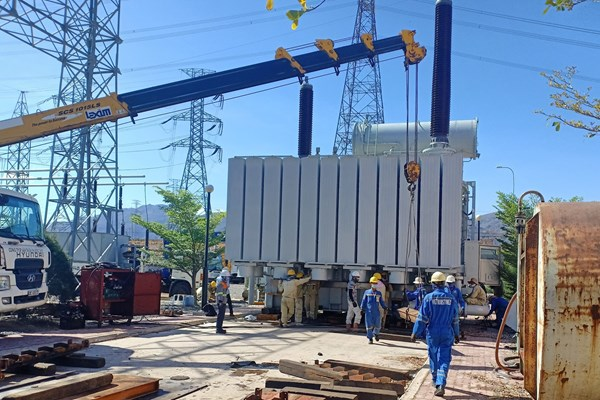 Tháng 4 này sẽ đóng điện dự án nâng công suất trạm biến áp 500kV Vĩnh Tân