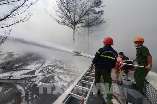 Đám cháy tại kho hàng Cty Thành Chí được dập hoàn toàn sau 2 ngày đêm khống chế