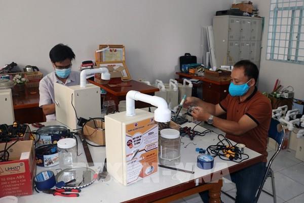 Loạt sáng chế phòng chống dịch COVID-19