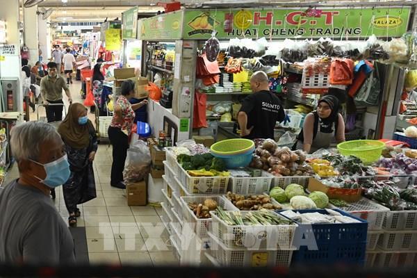 Doanh số bán lẻ của Singapore giảm mạnh nhất kể từ năm 1985