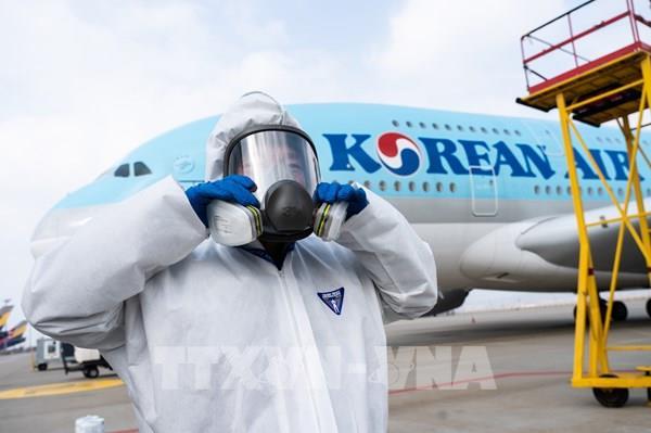 Hàn Quốc quy định bắt buộc đeo khẩu trang trên các chuyến bay