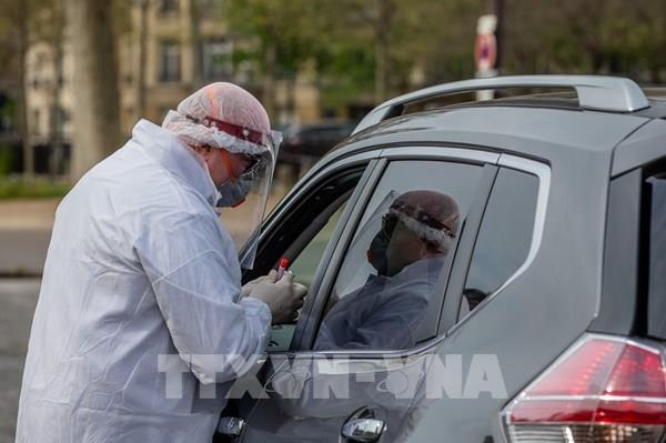 Dịch COVID-19: Anh, Pháp duy trì cảnh giác về đại dịch