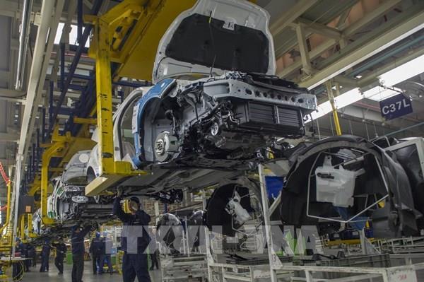 Doanh số bán ô tô ở Trung Quốc bắt đầu phục hồi